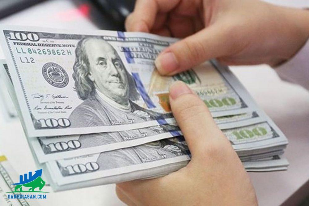 giá đô-la Mỹ giảm mạnh6-8