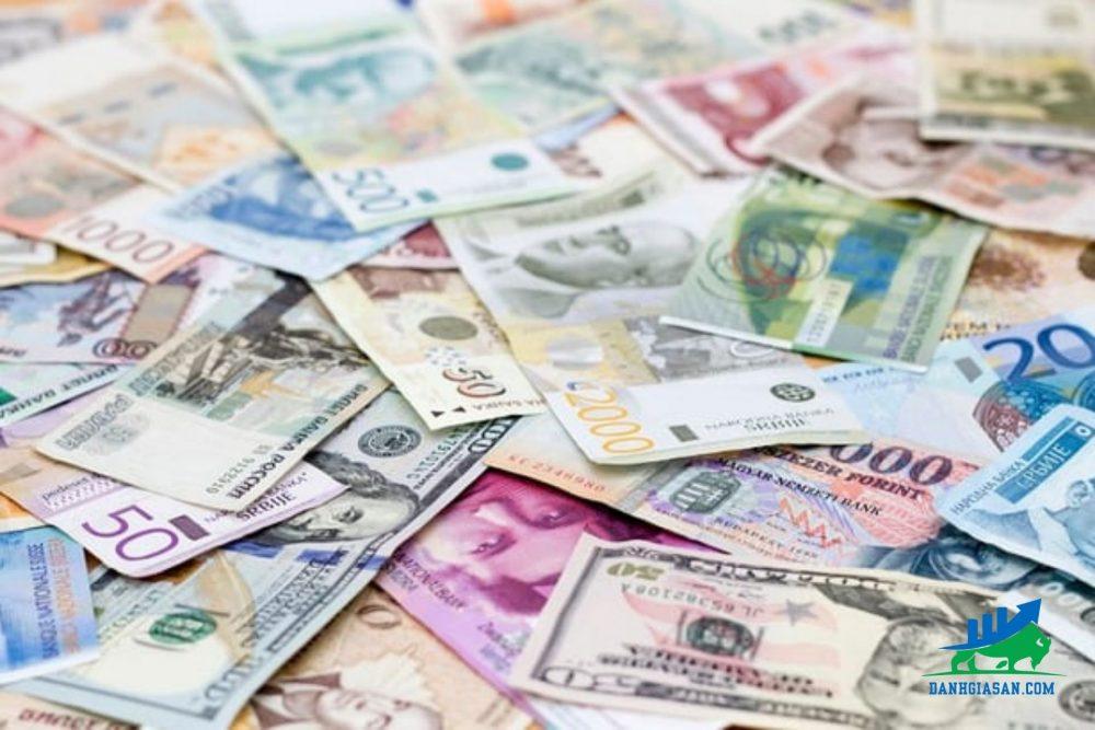 thị trường tiền tệ thế giới đồng đô la gần mức đáy