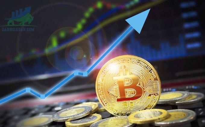Bitcoin tiếp tục tăng cao