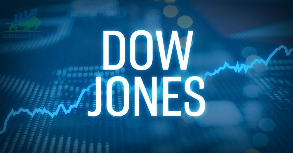 Dow Jones kết thúc ở mức cao kỷ lục, Nasdaq giảm khi công nghệ trượt dốc ngày 06/05/2021