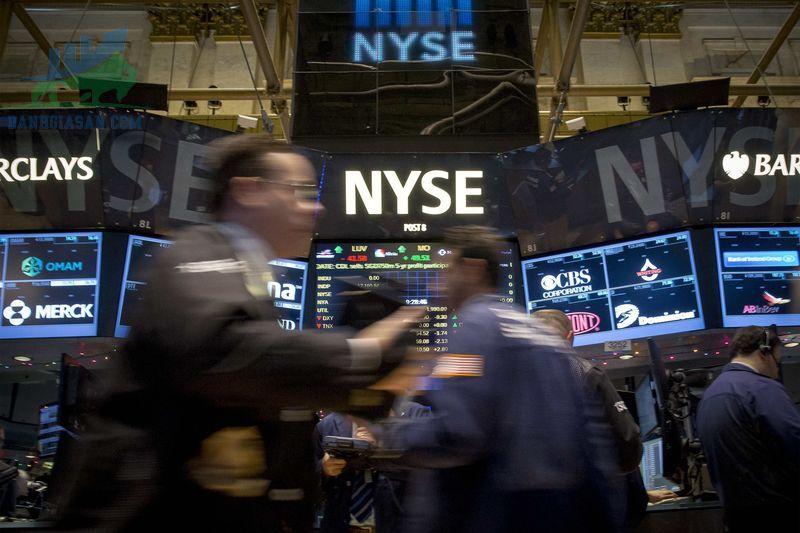 S&P 500 nhảy vọt khi Thỏa thuận giới hạn nợ mở đường cho các lần đặt cược mới vào cổ phiếu